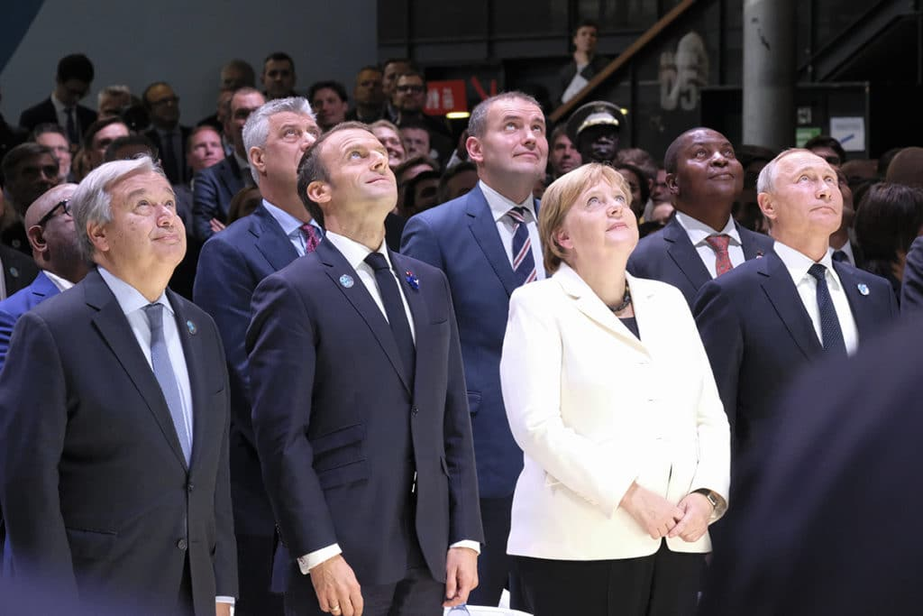 Heads of State and Government pose for the birdview photo